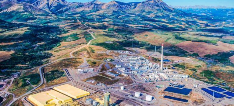 Tar sands oil refinery